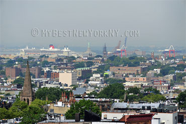 Queen_Mary2_RedHook_Brooklyn_NY